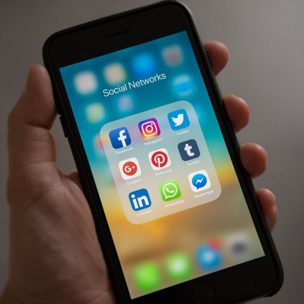 DOs and DONTs in Social-Media